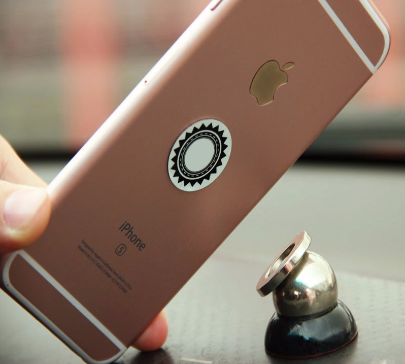 Magnetický držák na mobilní telefon do auta
